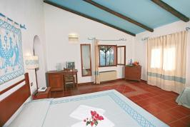De woonkamer van villa Arbatax