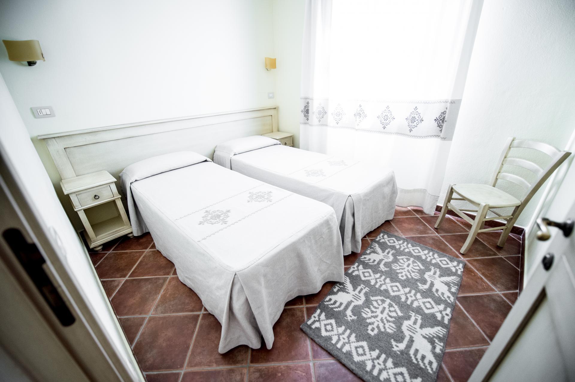 Slaapkamer Met 2 Eenpersoonsbedden.De Appartementen Zijn Smaakvol Ingericht En Voorzien Van
